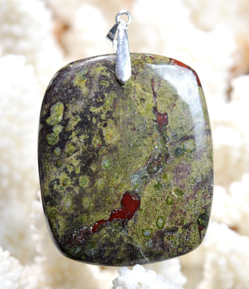 Jaspe Dragon Blood 186 carats Australia  Ref BD57 cabochon pendant natural stone