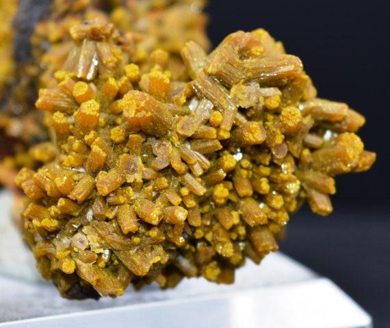 Minéraux gr bruts - Pyromorphite 113,5 gr Minéraux - Les Farges, USSEL, Correze, FRANCE aefff9