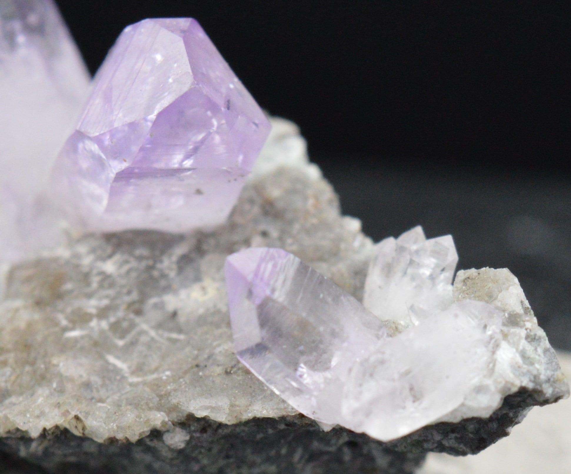 Amethyst crystals on gangue 34.7 grams Mexico AMETHYST Veracruz