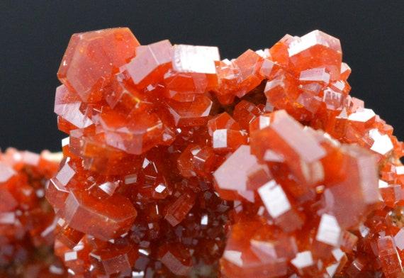 Minéraux bruts - VANADINITE 17,3 grammes grammes grammes - VANADINITE - lustrous crystals on matrix - MOROCCO a86cc6