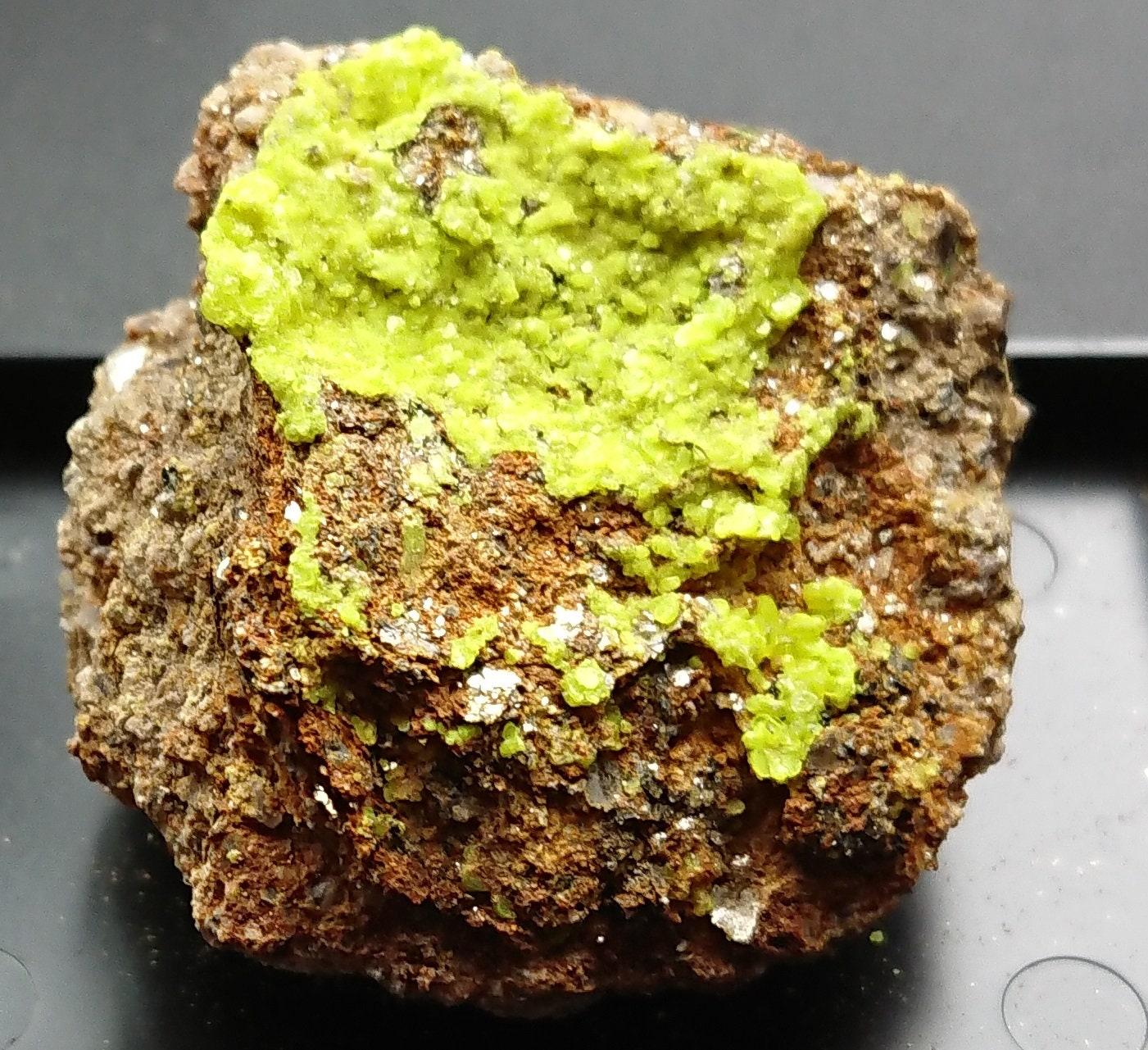 Rare - Autunite 35 grammes - Fluorescent Fluorescent - - Margnac, France c18271