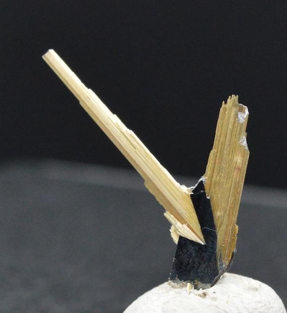 Rutile de titane titane titane 0,39 grammes - RUTILE on HEMATITE aesthetic specimen - BRAZIL 7cc68a