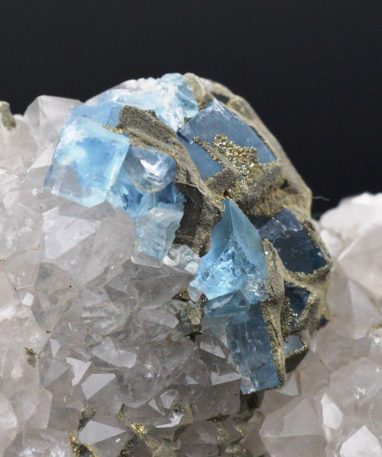 Minéraux bruts - - - Fluorite pyrite sur quartz 268 grammes - Mont Roc, Tarn , France 072d17