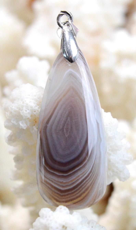 Agate 26 carats pendentif cabochon pierre naturelle Botswana  Ref AT33