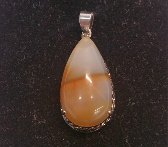 Pear Shape Natural Agate Pendant Silver Tone