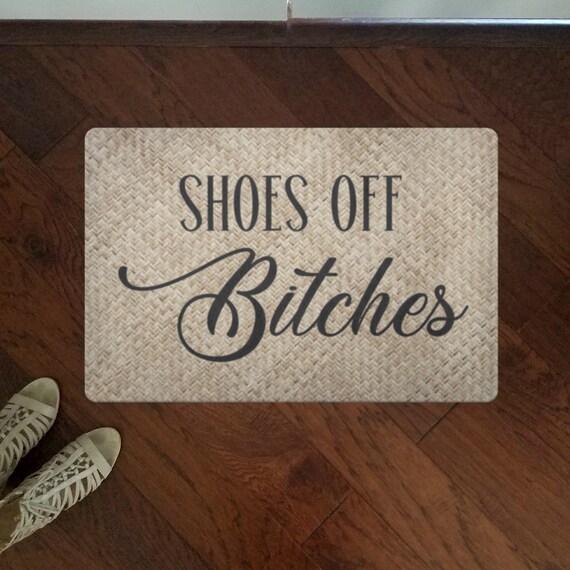 Shoes Off Bitches Doormat Gift Door Mat for Front Door Decor Funny Doormat Outdoor Welcome Mat For Housewarming Gift Front Door Mat