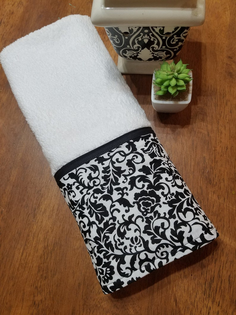Black and White Damask hand towel, decorative towel, personalized towel,  monogrammed towel, kitchen towel, bathroom towel, guest towel, gift