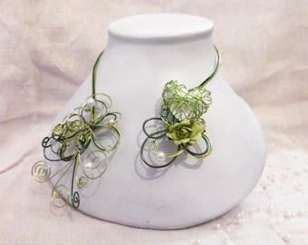 Green wedding with a Heart Necklace