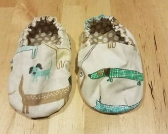 Reversible polka dot puppy baby booties