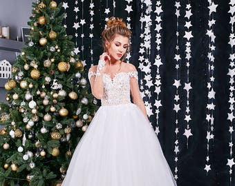 Ballgown wedding dress sleeves Aline wedding dress Tulle dress Bride 2018 Winter bride Chic wedding gown Lce marry Tulle ballgown Fitted