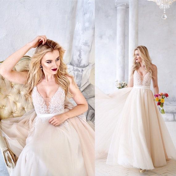 Dymaisei Womens Organza Spaghetti Straps Ruffled Ball Gown Wedding Dresses Bridal Gown