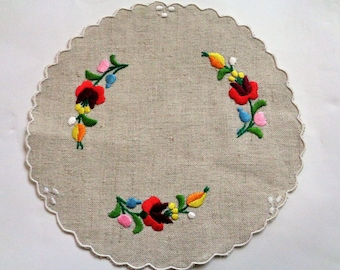Hungarian Embroidered Doily, Hungarian Coaster, MATYO Hungarian Embroidered Linen Doilies, Hungarian Table Runner,