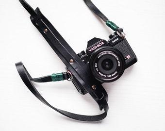 Tracolla in vero cuoio per fotocamera Mirrorless o Reflex universale - Camera Strap nero nera pelle leather vintage cinghia corda cord bag