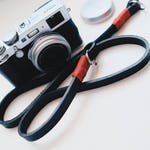 Real CUIO shoulder strap for mirrorless cameras or Reflex free shipping-black strap and amaranth leather vintage leather Strap