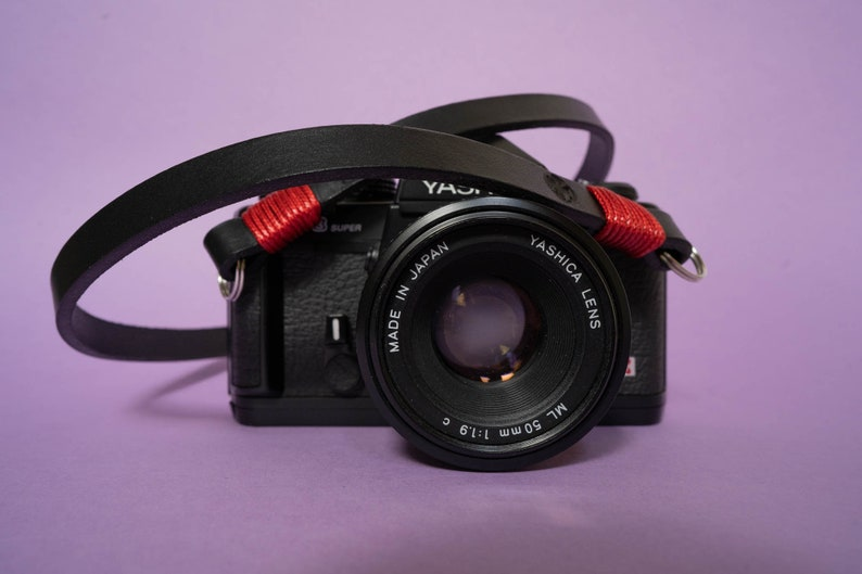 Black leather camera strap. Red wire color personalized. image 0