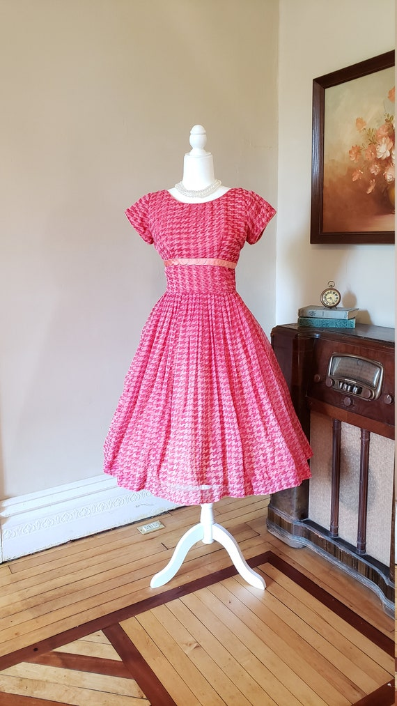 Vintage 1950's pink houndstootn chiffon dress pink