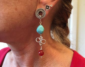 Tunnel earrings in turqouise, carnelian, silver