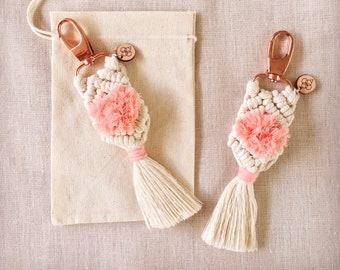 Macrame Keyring - Pink Fluff