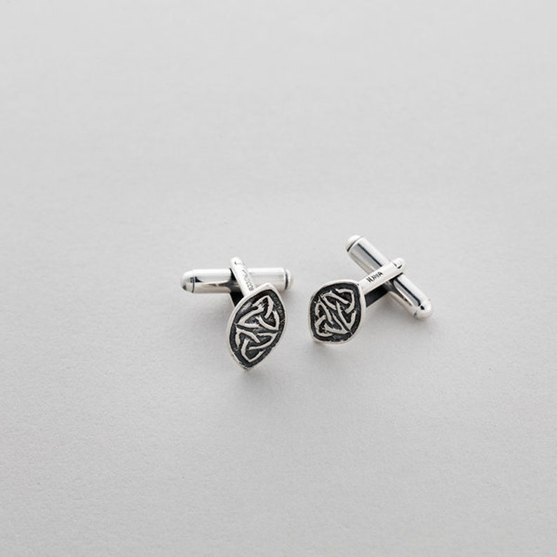 Isle of Iona. Oval Trinity Cufflinks Sterling Silver Cufflinks by Aosd\u00e0na