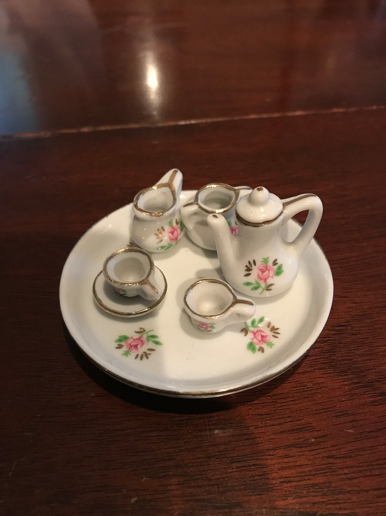 Dollhouse Miniature Unfinished Metal Gravy Boat Saucer