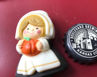 Vintage 1983 Pilgrim Pin/Plastics/Thanksgiving
