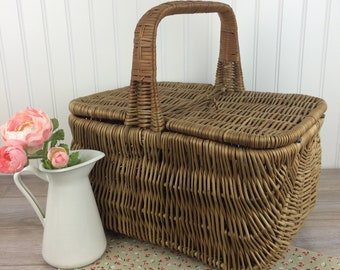 Vintage Wicker Picnic Basket with Handle, Double Opening on Top, Large Wicker Lunch Box, Romantic French Country Decor / Farmhouse