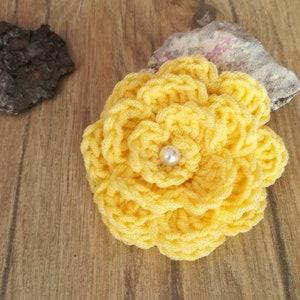 crochet appliques flowers appliques knit supplies embellishments Green Knit Flower Yellow Hand knit flower brooch