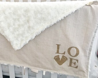 Personalized Baby Blanket / Plush & Cozy