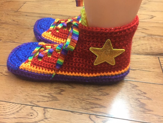 sneaker tennis top Converse converse shoes converse slippers inspired high 7 422 9 converse bling crocheted converse Womens slippers rainbow pq4pwEXRt