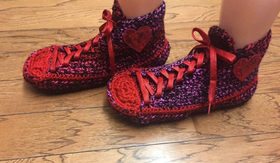 Listing red sneakers slippers heart Women sneaker 8 heart tennis 204 red Crocheted sneakers slippers heart 10 red red slippers sneakers shoe CwHXq01
