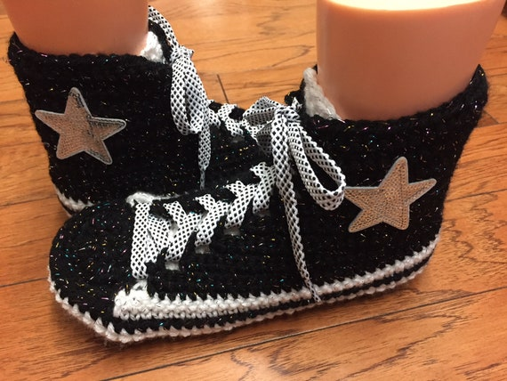 sneaker crochet tennis inspired slippers tennis black white 10 converse converse shoes shoes Womens crocheted 8 Converse converse slippers 6tC4qwHqn