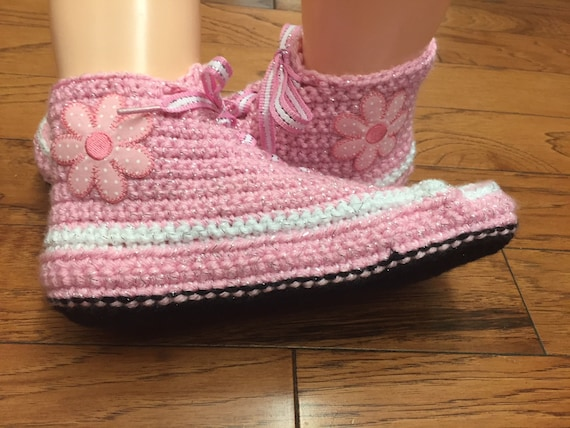 sneakers shoes crocheted flowerr Crocheted 9 crochet slippers tennis sneaker sneakers slippers pink tennis Womens shoes 7 flower slippers qx57g