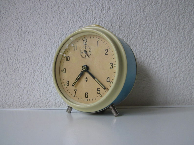 Hema Alarm Clock alwindable 1960 Netherlands light Blue Chrome Creme