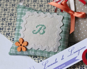 Lavender Sachet/Cross stitch finishing/Monogram/Lavender bags/Embroidery Initial/Coussinet à suspendre/Hand Made in Italy/Made for Mum