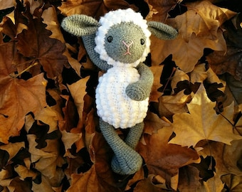 white and grey sheep, stuffed sheep, crochet sheep, amigurumi sheep, crochet lamb, stuffed lamb, soft toy, baby shower, gift for kids