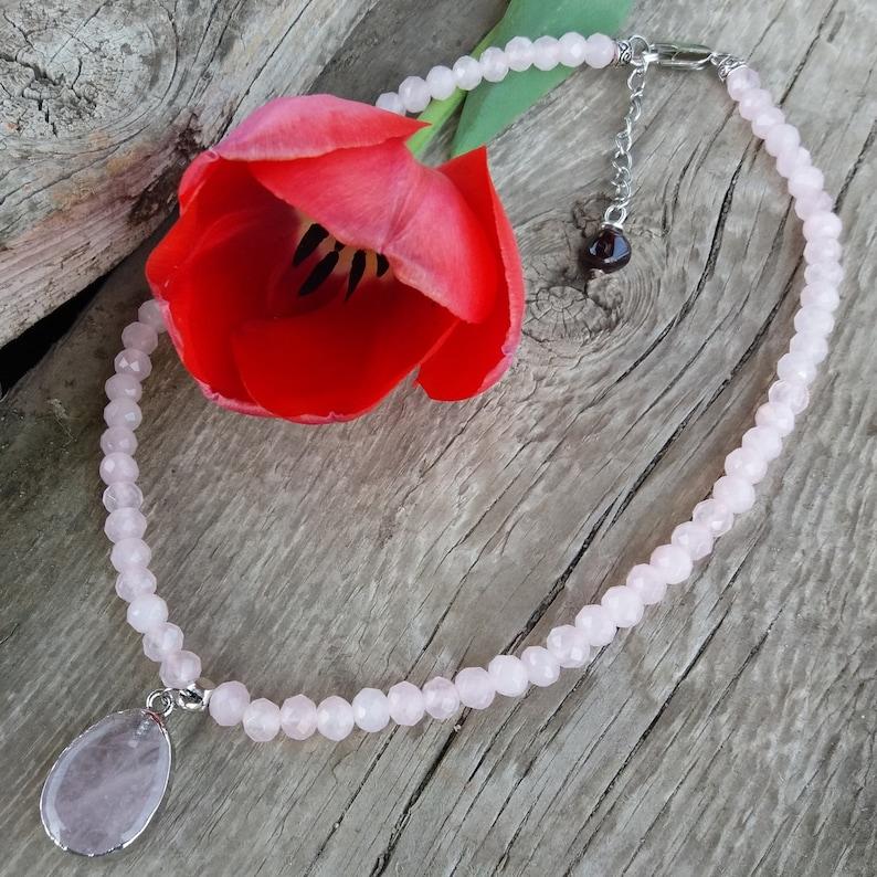Women Pink Choker Necklace Rose Quartz pendant Healing Love 4th Heart chakra Balance Calming Gemstone Girl Yoga Beaded jewelry gift Faceted