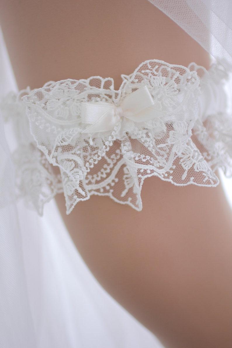 Garters for Wedding Beaded Bridal Garter Garter Set Ivory Lace Wedding Garter Garter Wedding Garter Belt White Wedding Garter