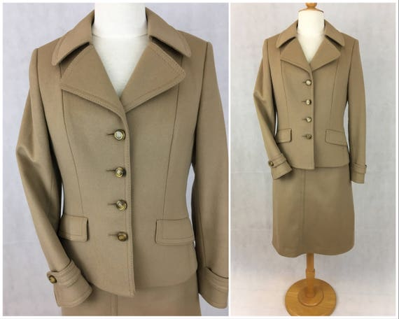 1970s Camel Wool Skirt Suit with Amazing Details and Novelty Print Lining Bust 34