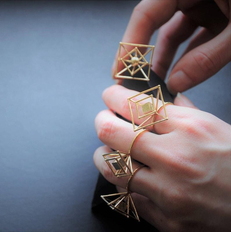 Ball R-Adjustable Ring-minimal brass Ring-Geometric Jewelry 3d Printing-Gift Idea