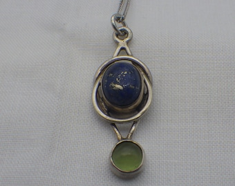Vintage Artisan Jeweler Crafted Lapis Lazuli and Peridot Gemstone Pendant Necklace, Sterling Silver, Ladies or men, Silver 925, 1970s,