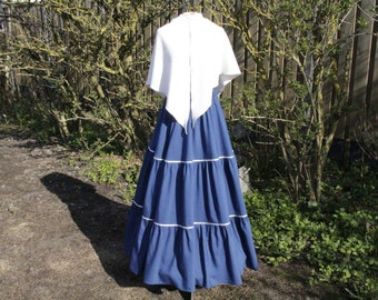 Blue Charles Dickens outfit, Shirt with cream-colored shawl/stole