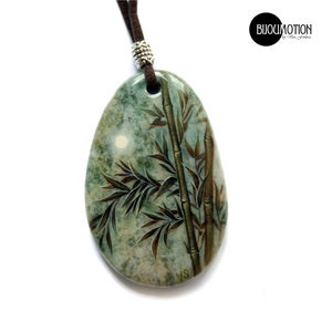 Painted rocks Flower pendant Russian lacquer Round green Agate pendant White Camomile Daisy Hand painted necklace