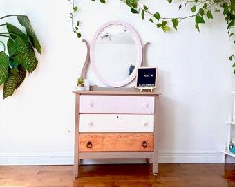 Dresser, vintage, Dresser low, vanity, mirror, three drawers, furniture, makeover, bedroom, bedroom, storage.
