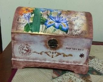 Vintage wooden trunk, jeweler,