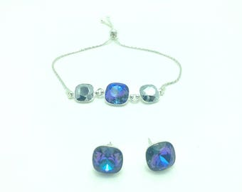 Swarovski Elements-Set, bracelet and earrings with sparkling crystals. Treat. This set is a must have.