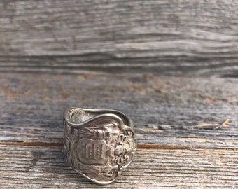 Spoonring Cutlery Jewelry Surpass ring from a Mocha Poon cutleryart jewelery upcycling silver plated loop ring