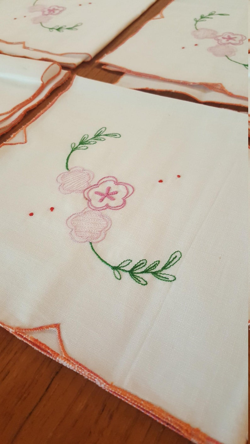 15 inches square  new vintage set of 6 fabric napkins pink flowers embroider peach trim