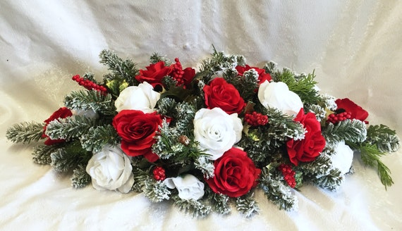 Enjoyable Christmas Centerpiece For Dining Table Winter Wedding Centerpiece Wedding Arch Swag Christmas Table Runner Red White Roses Pine Berries Download Free Architecture Designs Remcamadebymaigaardcom