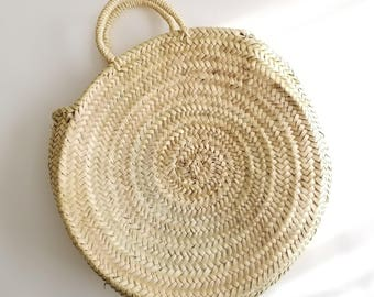 Handmade Round Straw Bag -  Round basket, Summer Tote, Round French Market basket bag, Round beach basket, Straw Beach bag, straw basket