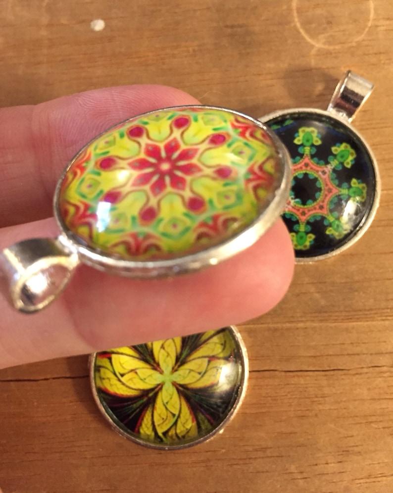 Set of 3 Art Pendant Pendants unique pieces Wear Your Mood 1 diameter